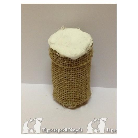 cesto alto di sacco con farina