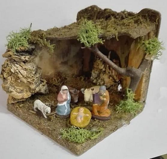 capanna piccola completa di pastori in terracotta