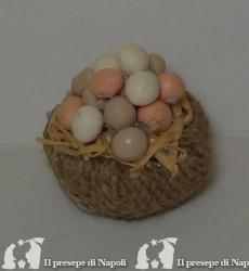 Cesta di sacco con uova