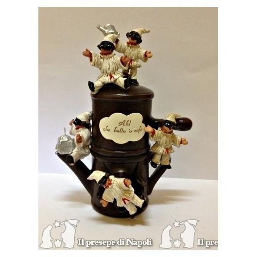 Caffettiera in terracotta con pulcinella