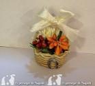 cestino portafortuna con fiori e calamita