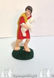 bambino con pecora in braccio