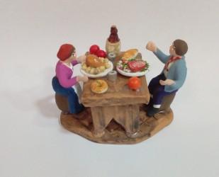 gruppo 2 pastori a tavolo che mangiano