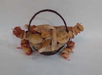 cesto di paglia con pane e tarelli per pastori cm 30