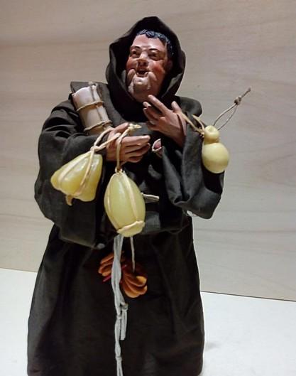 monaco con accessori in cera