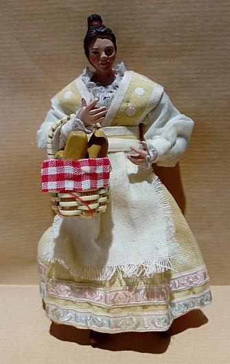 ragazza con cestino col pane