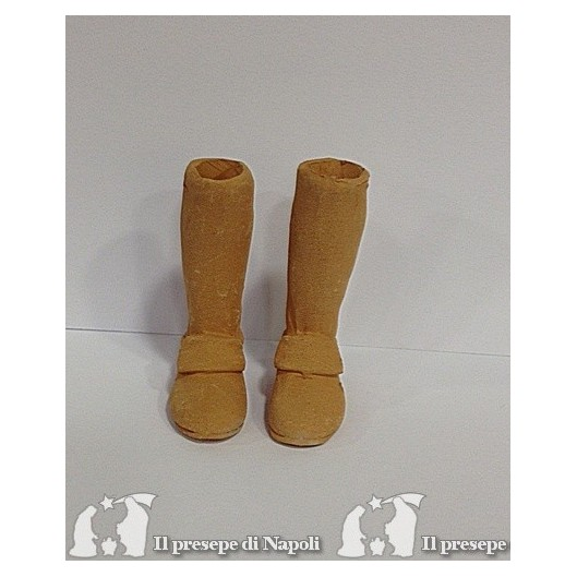 piedi con scarpa grezze