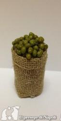 cesta alta di sacco con olive