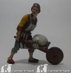 Uomo con carriola
